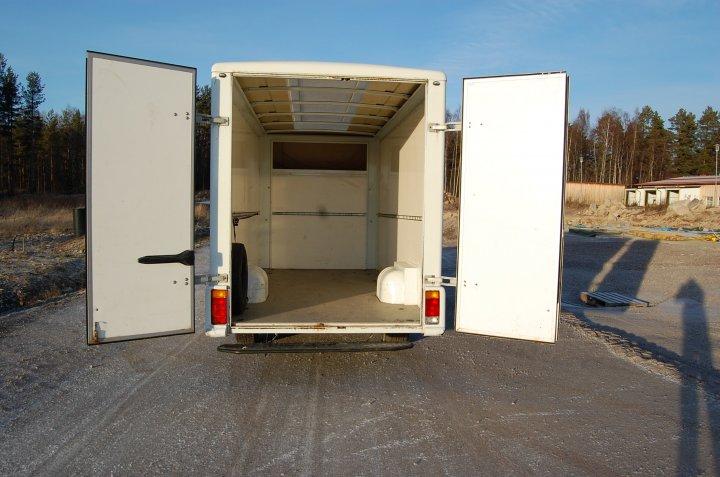 hyrbil skåpbil ~ hyra  lastbilense uthyrning  renault master 22m3 (b