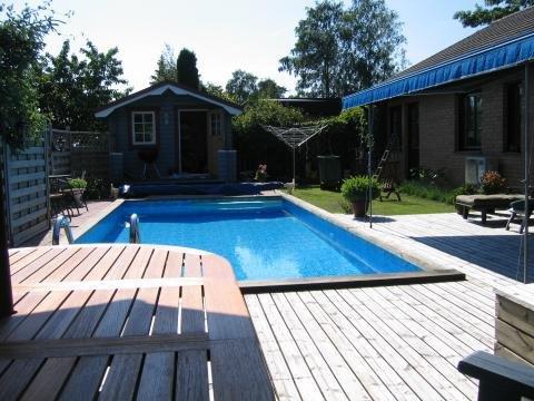 Hyra hus med pool i sverige