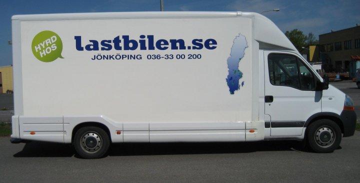 hyr skåp bil ~ hyra 22 kubik skåpbil  lastbil i jönköping i finns på