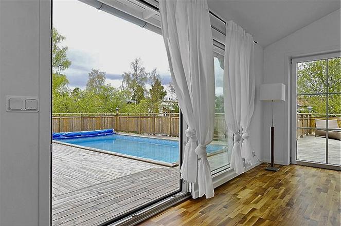 hyra hus med pool stockholm